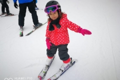 kids-ski-lesson-with-RJ-Ski-School